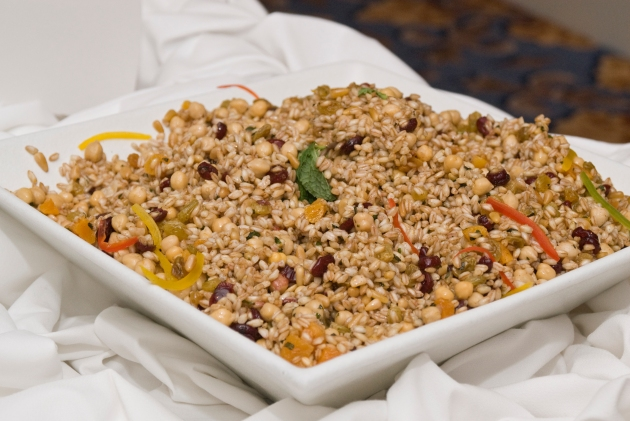 WholeGrainsCouncil-Farro Dried Fruit Garbanzo Salad